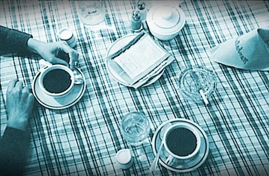 Akşam yemeğini yedikten sonra yapılan kahve keyfi başkadır. Kahve içilmediyse, yemek eksiktir.