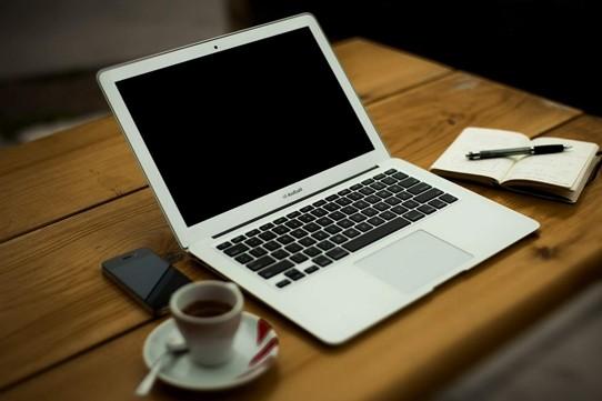Kahve içmeden zihin açılır mı? Bilgisayar açılana kadar bir kahve hazırlamalı..